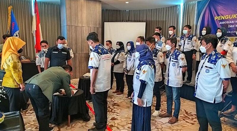IUMKM Indonesia Acara pengukuhan DPD Akumandiri Makassar